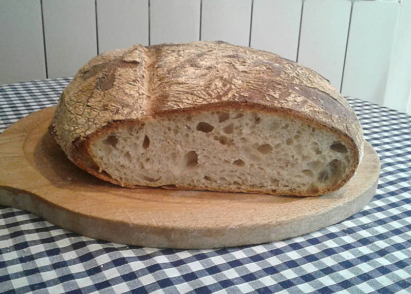 Keith's No-Knead Bread - Finished Bread - Cut in half