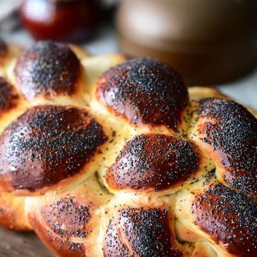 Challah bread with poppy seeds.