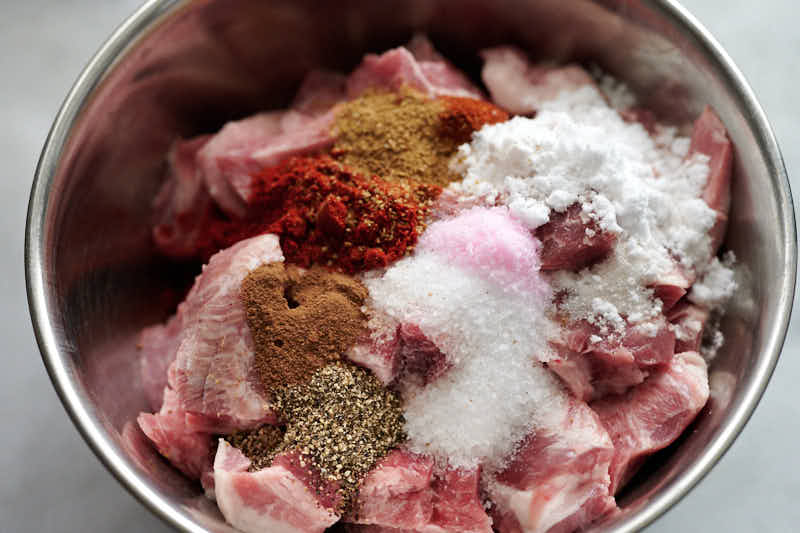 Seasonings for pepperoni sausage