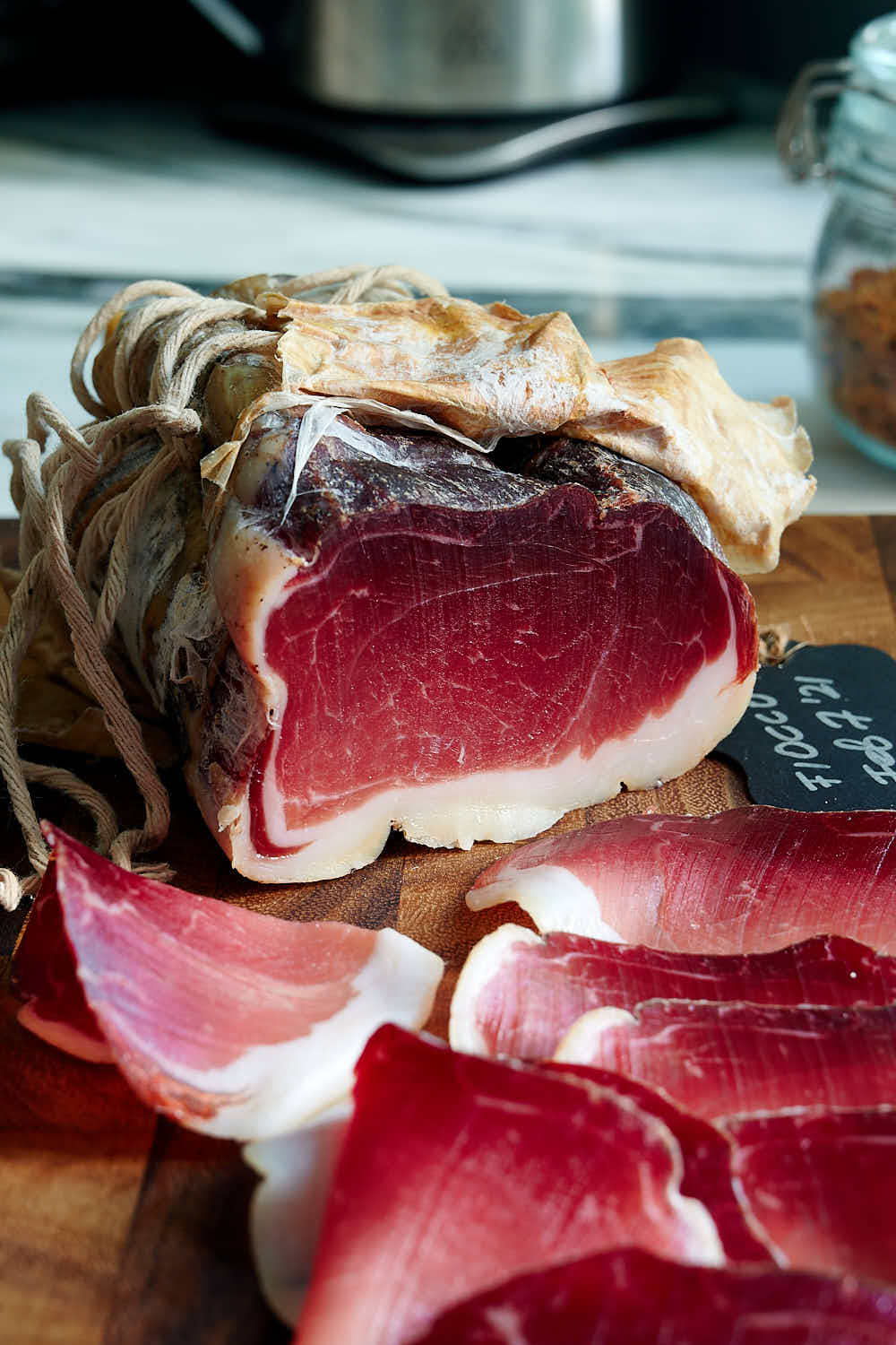 Recipe for dry cured fiocco ham.